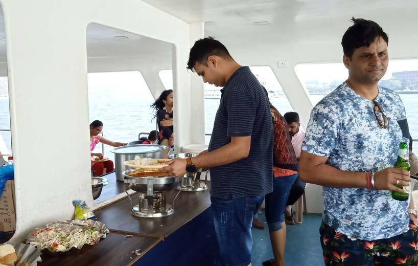 adventure-boat-cruise-in-goa