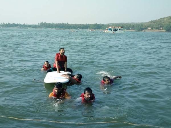adventure-boat-goa-cruise